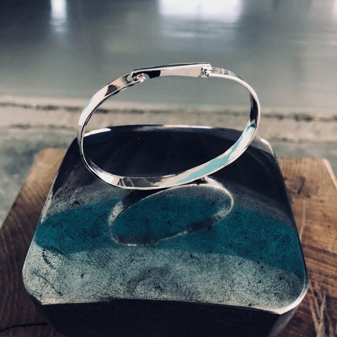 Bracelet One argent, design Adrien Moniquet pour Artsphalte